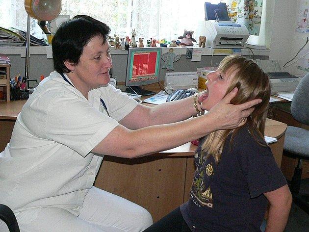 Dětští lékaři se v těchto dnech nezastaví.