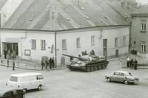 Příjezd okupačních vojsk v srpnu 1968 do Dačic.