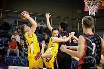 Klíčový souboj s pražskou GBA EU jindřichohradečtí basketbalisté nezvládli a prohráli v prodloužení. Následná těsná výhra nad Hradcem Králové jim vzala definitivně naději.