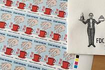 Poštovní známka s kostkou cukru.