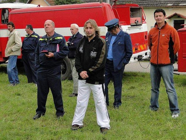 Ze života dobrovolných hasičů v Člunku.