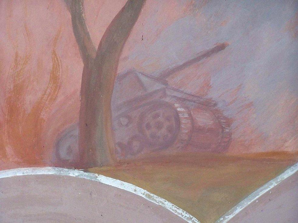 Část fresky s tankem v kostele v Chlumu u Třeboně