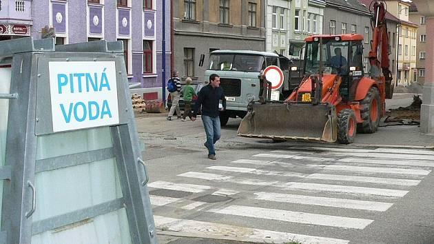 Rekonstrukce vodovodu v Nádražní ulici.