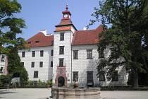 Třeboň. Areál zámku. Ilustrační foto
