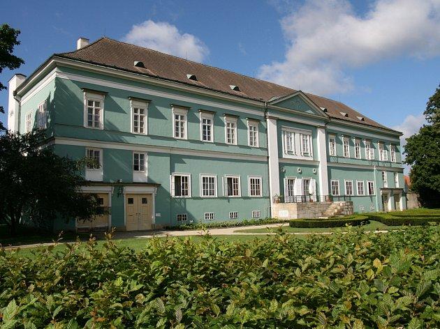 Zámek Dačice. Ilustrační foto.