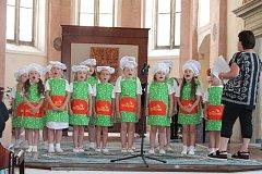 Letos mají děti v repertoáru vystoupení Kuchaři s kuchařskými písničkami a básničkami. Kostýmy si Koťata zajišťují ze soukromých zdrojů a pro letošní rok sehnala jedna z maminek dotace.