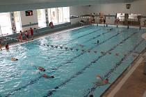 Základní školy nejen z okresu Jindřichův Hradec nyní využívají denně plavecký bazén.