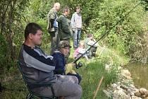 Rybařské závody pro děti v Kunžaku.