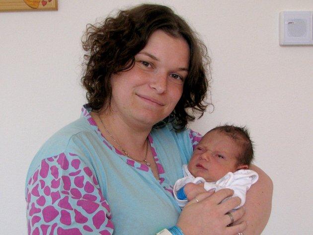 Jan Hanta z Plavska se narodil 31. března 2012 Lucii a Martinovi Hantovým. Měřil 51 centimetrů a vážil 3320 gramů.