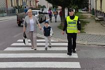Policisté v prvním školním týdnu zvýšili dohled nad přechody.