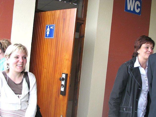 Na jindřichohradeckém nádraží bylo slavnostně otevřené nově zrekonstruované WC s euroklíčem pro lidi s tělesným  postižením.