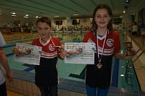 Úspěšní hradečtí plavci Karolína Kůrková a Šimon Gregor.
