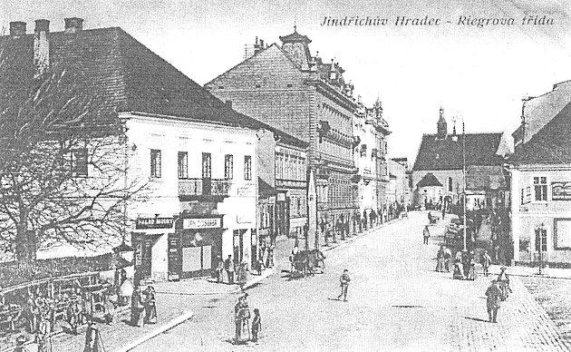 Historický pohled na budovu Kaštánku.