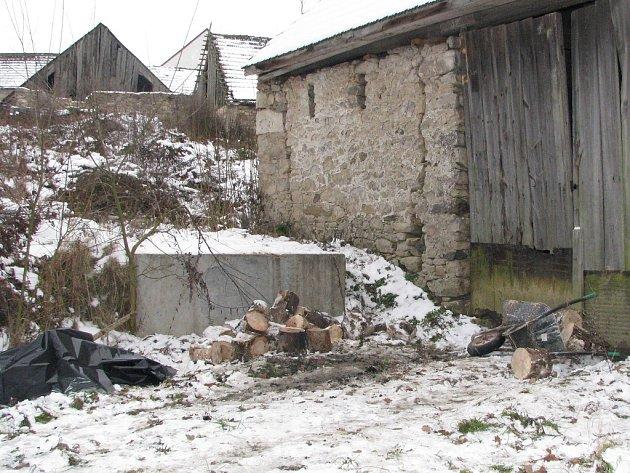 Místo tragédie v Bednárečku na Jindřichohradecku, kde se upálil osmatřicetiletý muž.