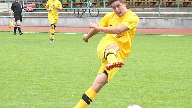 Ofenzivní opora včelnických fotbalistů Tomáš Nebeský.