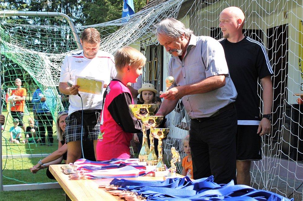 Turnaj v kopané na sokolském hřišti ve Stráži provázelo vydařené letní počasí.