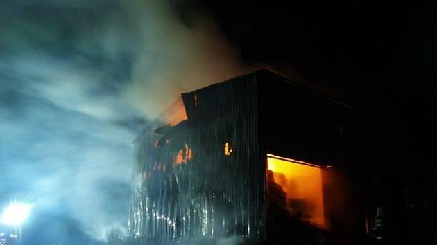 Požár ocelokolny ve Slavonicích způsobil škodu za tři čtvrtě milionu korun.