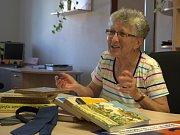 Jedenáct dětských knih, mezi nimi například Neználka a Kubulu a Kubu Kubikulu, přinesla na odbor kultury a cestovního ruchu třeboňského městského úřadu Růžena Melicharová.