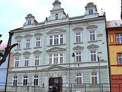 Dům čp. 3 na Palackého náměstí v Dačicích.