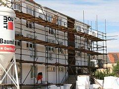 Výstavba bytů v ulici Dr. Kuny v Lomnici nad Lužnicí.
