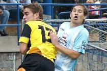 Hradečtí fotbalisté v derby rozstříleli Dačice 5:0.