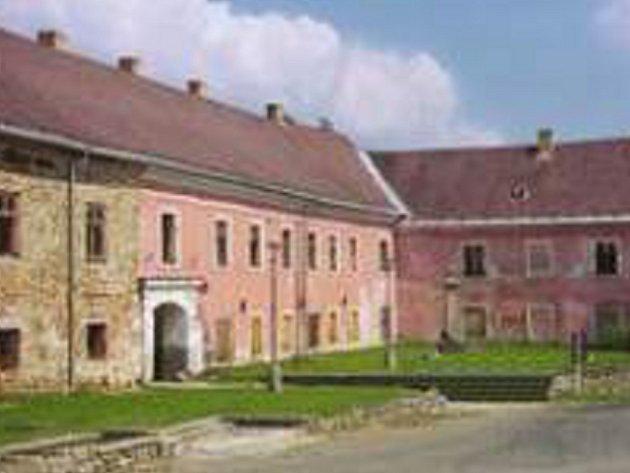 Zámek v Nové Včelnici. Ilustrační foto.