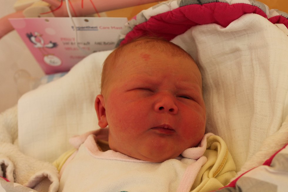 Veronika Nebojsová, Studená. Narodila se 18. září Veronice a Jakubu Nebojsovým, vážila 3790 gramů a měřila 51 centimetrů.
