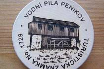 Vodní pila Peníkov na turistické známce.