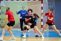 V jindřichohradecké sportovní hale se v sobotu a neděli koná 14. ročník házenkářského turnaje žen Nova Domus Cup.
