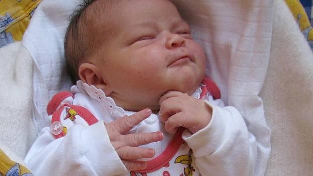 Zuzana Hrubantová z Ústrašína se narodila 17. října 2011 Kateřině a Tomášovi Hrubantovým. Měřila 50 centimetrů a vážila 3 850 gramů.