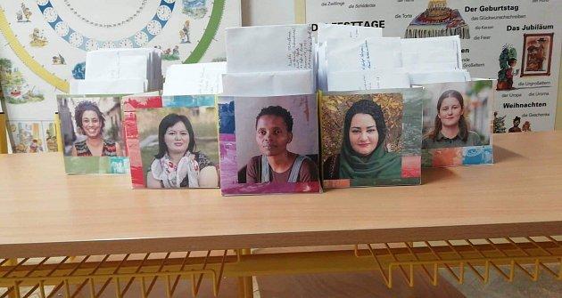 Dopisy se píšou do celého světa, vždy vrámci vybraných případů Amnesty International.
