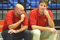 Trenér Lions Karel Forejt (vpravo) a jeho asistent David Musil.