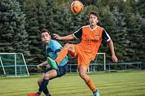 Do přípravného Letního okresního poháru, který pořádá OFS, se zapojí i fotbalisté Slavonic (v oranžovém) a Kunžaku.