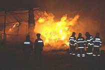 Požár skladu slámy v Kardašově Řečici.