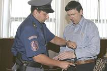 Před českobudějovickým krajským soudem stanul Jan Čermák obžalovaný z vraždy u Záblatí na Lomnicku.
