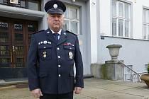 Stanislav Růžička policista z Jindřichova Hradce odchází po více než čtyřiceti letech do civilu.