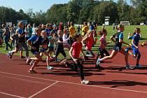 V pátek se na stadionu na sídlišti Vajgar v Hradci konal závod Podzimní atletický Jindřicháč.
