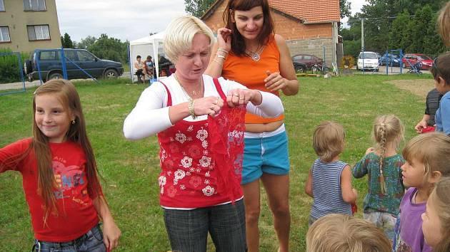 V Dolní Radouni se těší i z nově otevřeného dětského hřiště, které si prosadili.