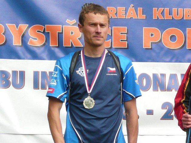 Letní biatlonista Luboš Schorný ze Starého Města pod Landštejnem vybojoval na mistrovství Evropy bronzovou medaili v závodě smíšených štafet. Úspěšný sportovec má tak na svém kontě již šest cenných kovů ze šampionátu starého kontinentů.