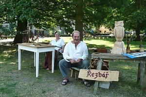 Annu Štěbetákovou ze Strmilova s manželem Janem spojuje originální řemeslná tvorba.
