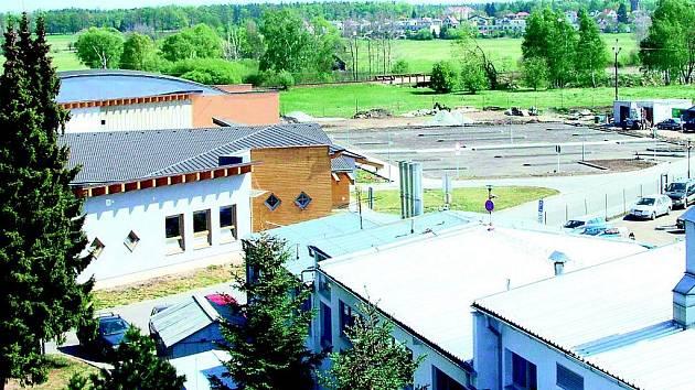 Pohled na výstavbu areálu.