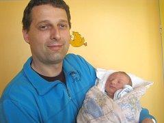 Josef Pivec se narodil 2. května v 7 hodin a 28 minut Janě a Josefovi Pivcovým ze Stráže nad Nežárkou. Vážil 4000 gramů a měřil 54 centimetrů.