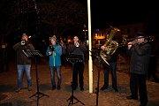Lidé si koledy zazpívali také v Kardašově Řečici.
