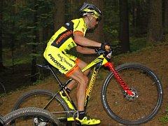 Hradecký biker David Kníže.