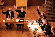 Ustavující zasedání zastupitelstva v J. Hradci.