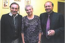 Paní Vlasta Nejedlá se s Karlem Gottem osobně setkala při plese jindřichohradecké likérky Fruko.