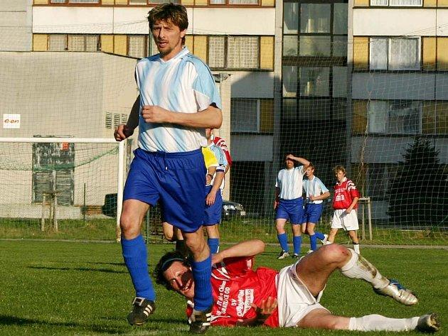 Roman Mikudim se po trestu vrátil do sestavy Č. Velenic a hned se vedoucím gólem podílel na výhře 2:1 nad Halámkami.