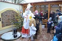 Mikulášskou nadílku v Radouňce ve spolkovém domě si užili malí i velcí.