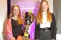 Nejúspěšnější sportovkyně roku 2011: Pavla Schorná (vlevo) vyhrála kategorii dospělých, Jana Benešová mládež.