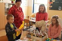 K zápisu do první třídy v 1. základní škole v Jindřichově Hradci se vypravilo na šest desítek předškoláků.